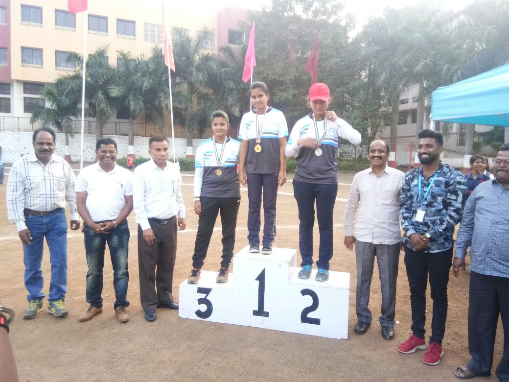 Muskan Bishnoi (FYBA) Gold Medal in Inter Zonal Archery competition 2017-18 held at Nashik