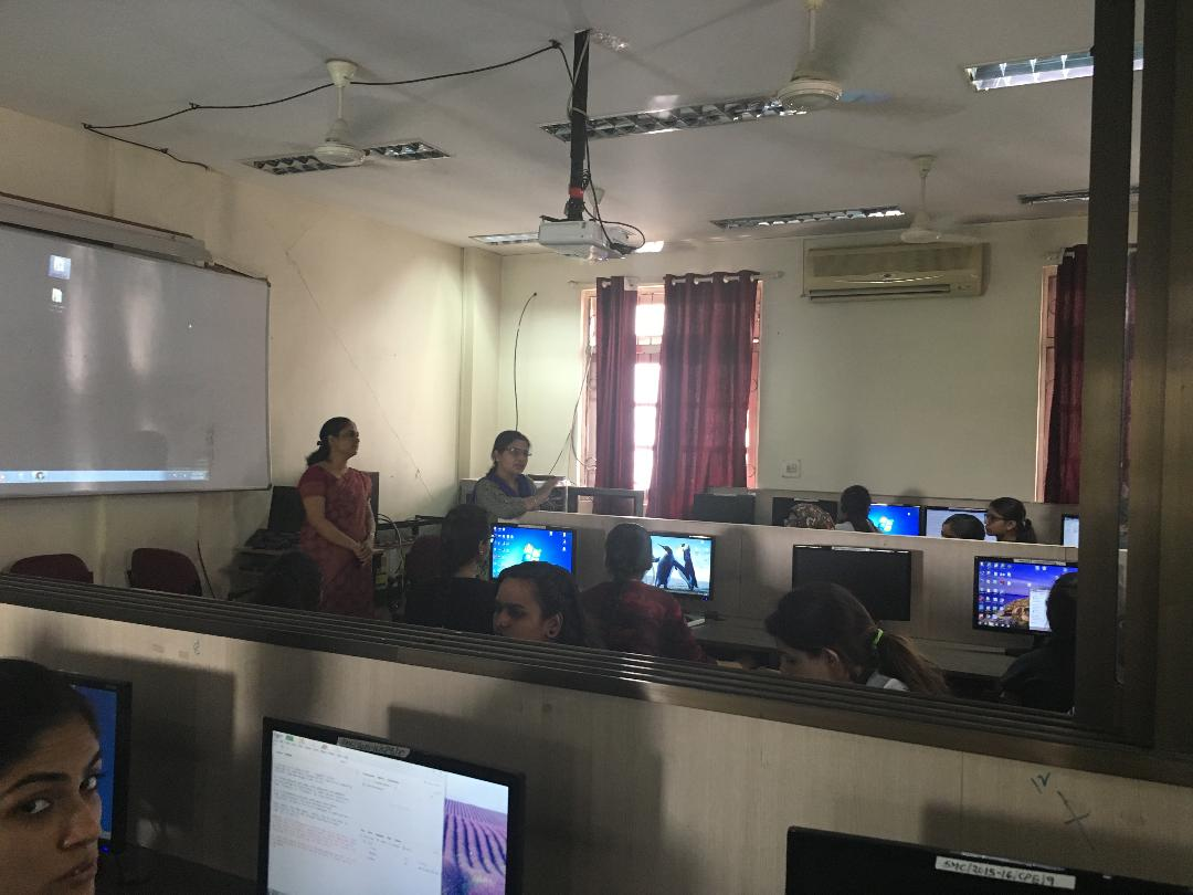 Guest Lecture for M.Sc. comp sci- R and weka tool by Mrs. Manisha Patil