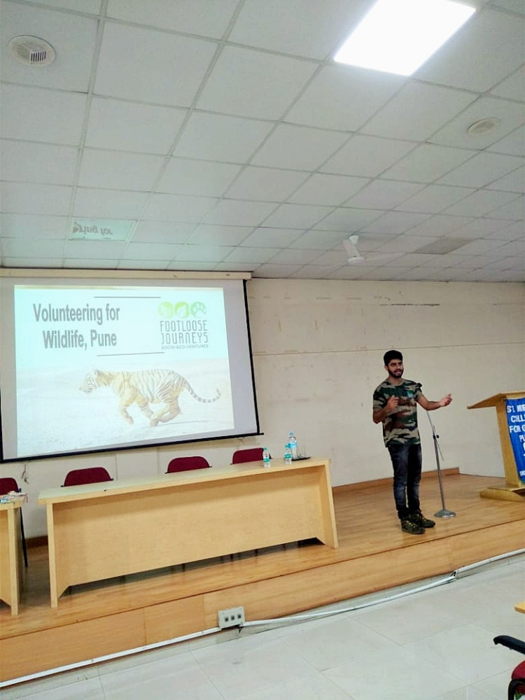 Mr.Paresh sharing tips on Volunteering for Wildlife