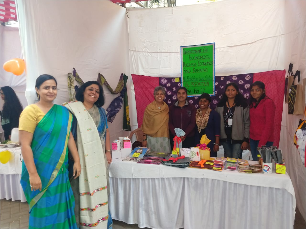 Community Outreach Initiative of Depts of EcoBEcoBkg-Sale of Products of NGO PRAYATNA at Mira Bazaar 17-12-2018 (2)